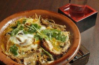 市販のかば焼きで「ウナギの柳川鍋」 煮込む前にサッと炙る